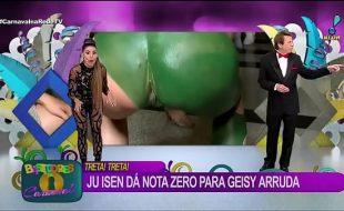 Famosa brasileira mostrando o cu ao vivo no carnaval
