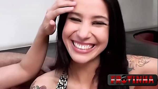 Monica mattos em video porno dando a buceta gostosa