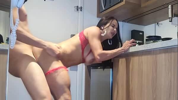 Porno total socando a rola dentro da gostosa de lingerie