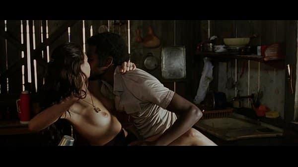 Isis Valverde Nua mostrando corpo em filme nacional