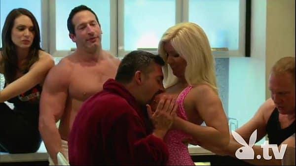Sexlog swing varias casadas com os maridos transando