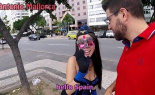 Sexo carnaval fazendo safada gozar enquanto senta na pica