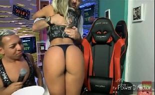 Fernanda lacerda nua mostrando o rabo enorme no video