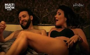Juliana Knust nua em cena quente sensual na televisão