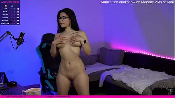 Sexo ao vivo gratis fazendo a peituda gostosa gozar