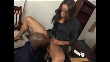 Mulata rabuda anal com chefe safado